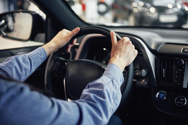 concepto-negocio-automoviles-venta-automoviles-consumo-personas_146671-14245